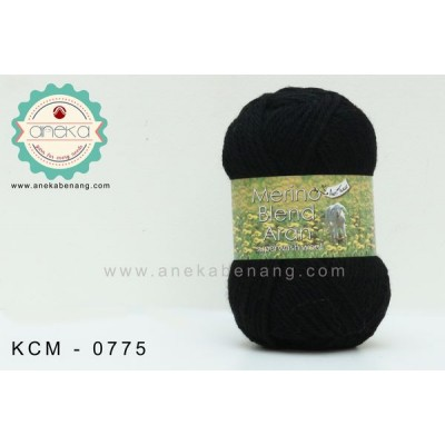 King cole - Merino Blend Aran #0775 (Black)